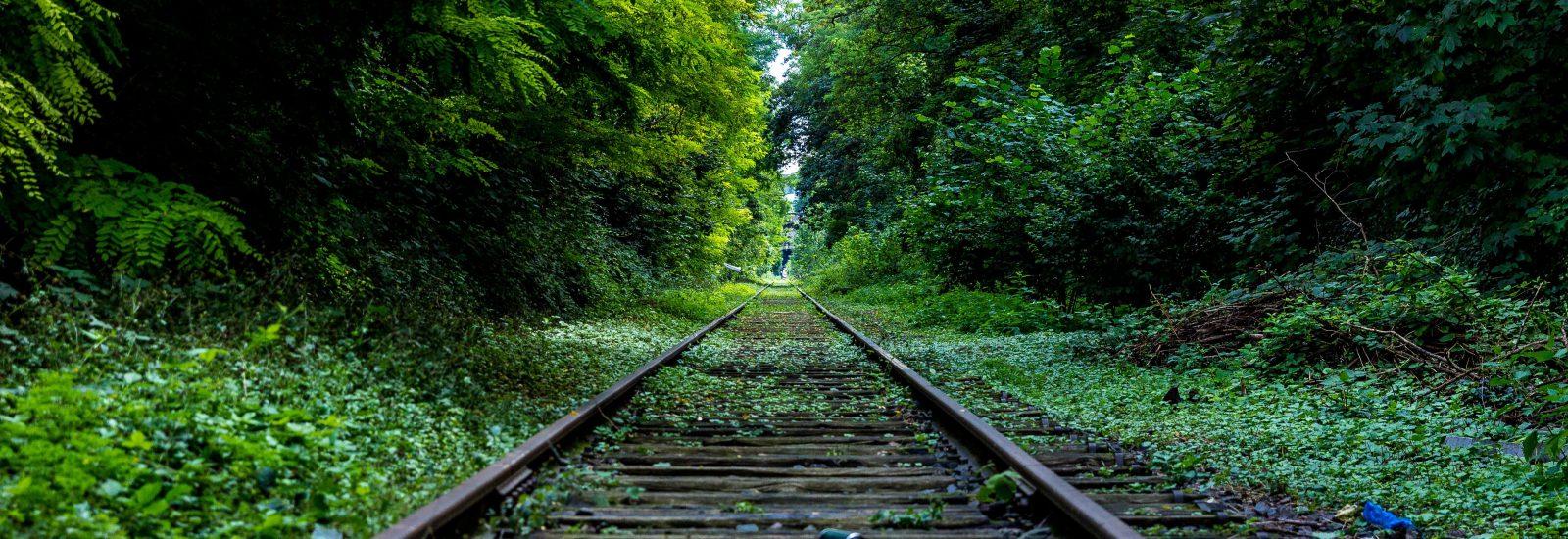 eisenbahn-fahrte-gerade-34950
